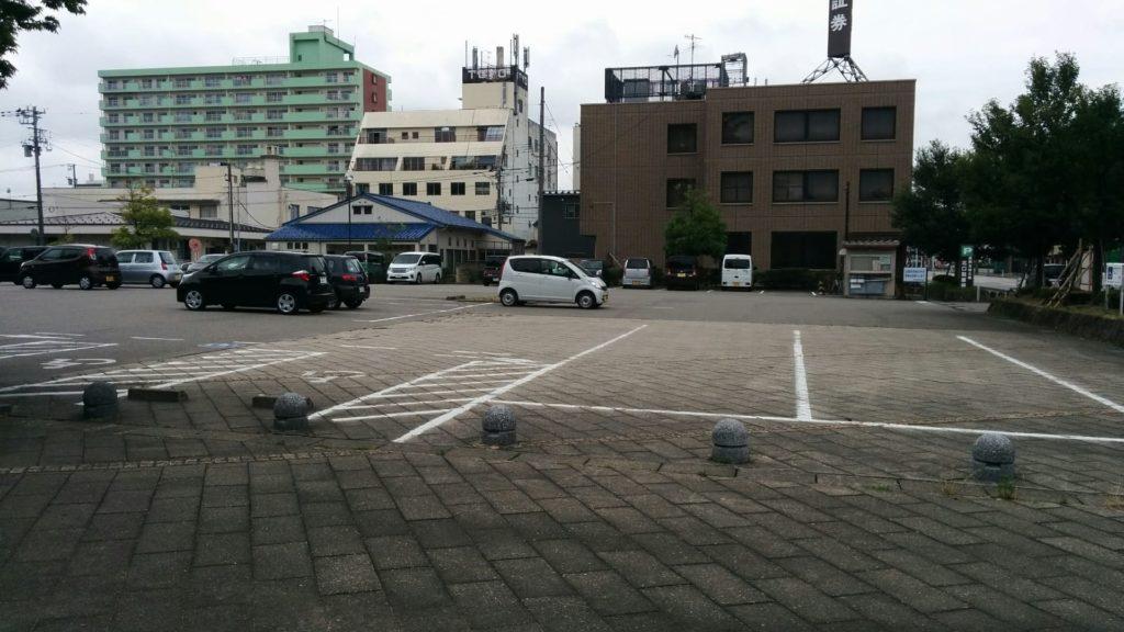 北口駐車場