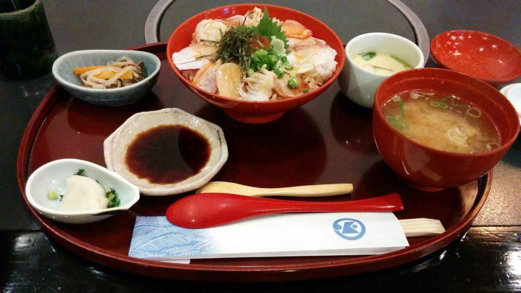 加賀屋・七尾店「海鮮あぶり丼」